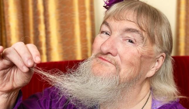 Femeia cu cea mai lunga barba din lume