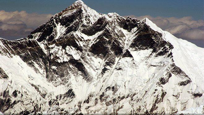 Cel mai inalt munte din lume