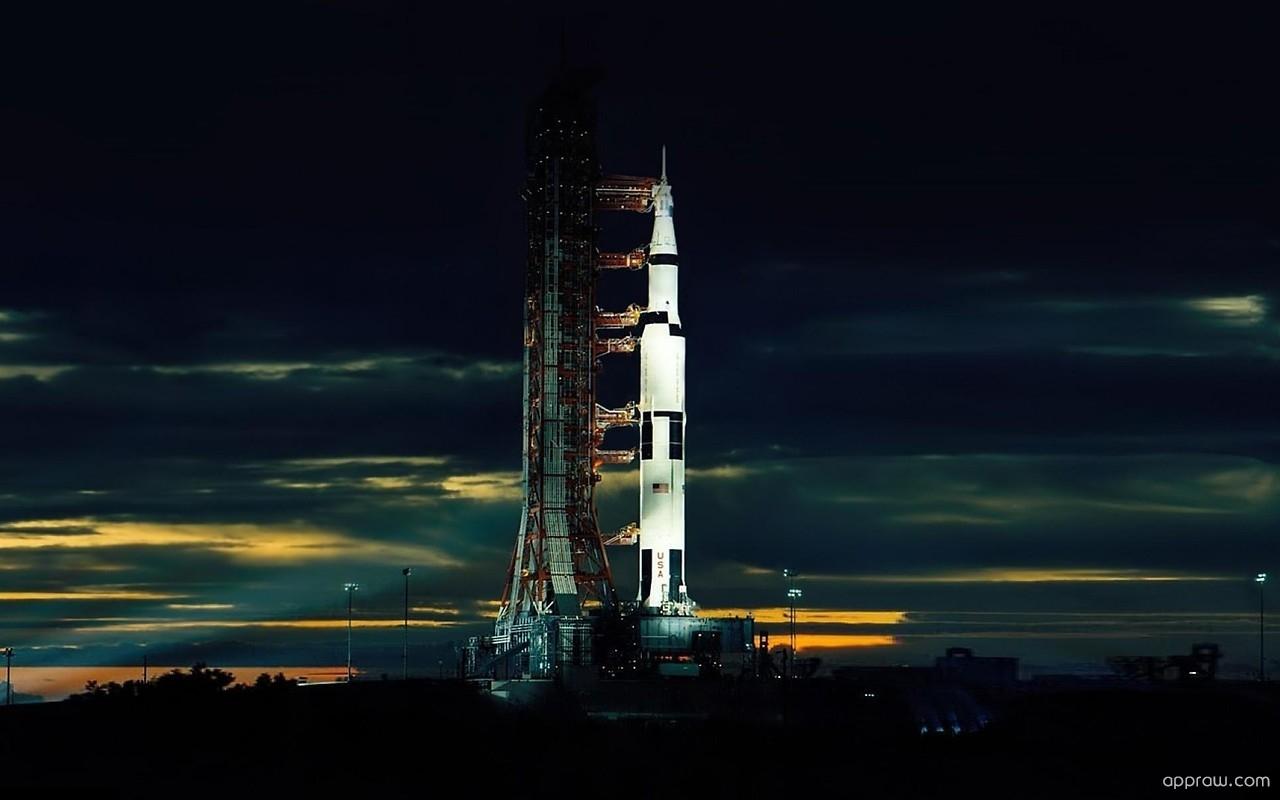 Saturn V cea mai mare racheta